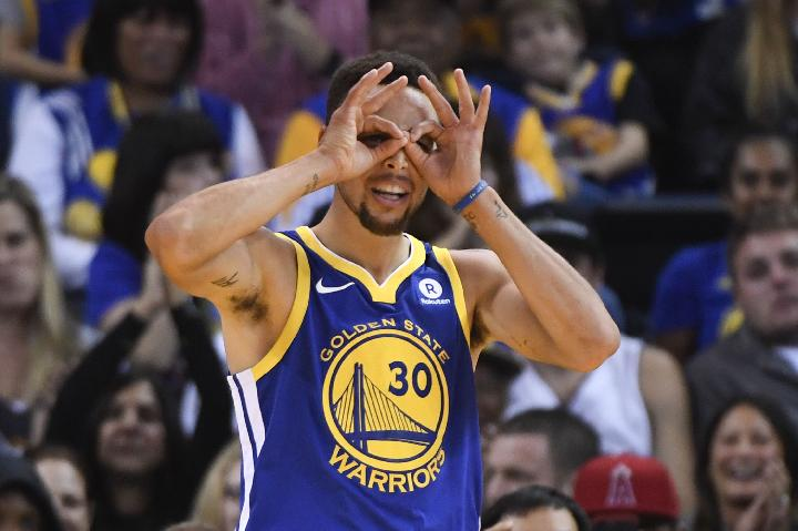 Pemain Golden State Warriors, Stephen Curry. Reuters/Kyle Terada