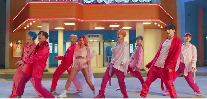 BTS Boy with Luv (Youtube)