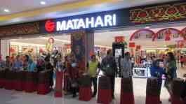 Pembukaan Gerai Matahari Department Store di Lombok City Center, 26 November 2015. TEMPO/Supriyanto Khafid.