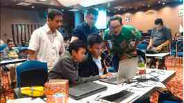 Mentoring kompetisi Smart Hackathon 2017 oleh TIM WORKnPLAY,  Dony Riyanto Research