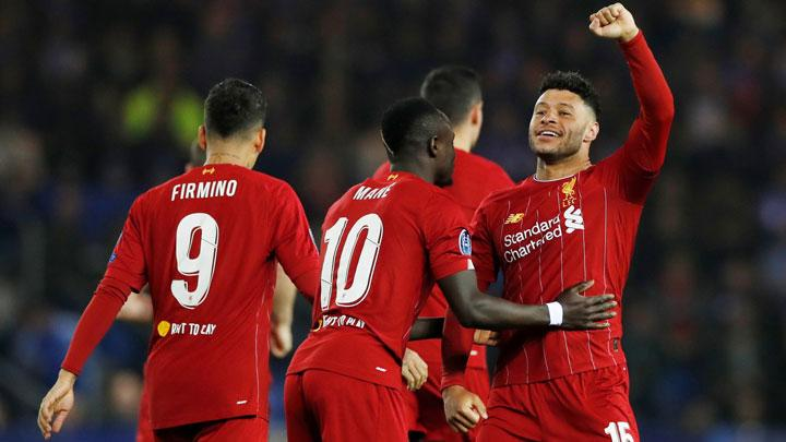 Gelandang Liverpool Alex Oxlade-Chamberlain, melakukan selebrasi usai mencetak gol ke gawang Genk dalam pertandingan Grup E Liga Champions di Luminus Arena, Genk, Belgia, 24 Oktober 2019. Action Images via Reuters/Paul Childs