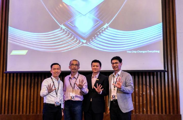 Technical Account Manager APAC Chin Lin Low, Director of Wireless Software Development MediaTek Loda Chou, Senior Manager Corporate Sales Asia Africa Mediatek, serta Director of Computing and AI Technology Group Alex Chang dalam acara MediaTek Tech Forum