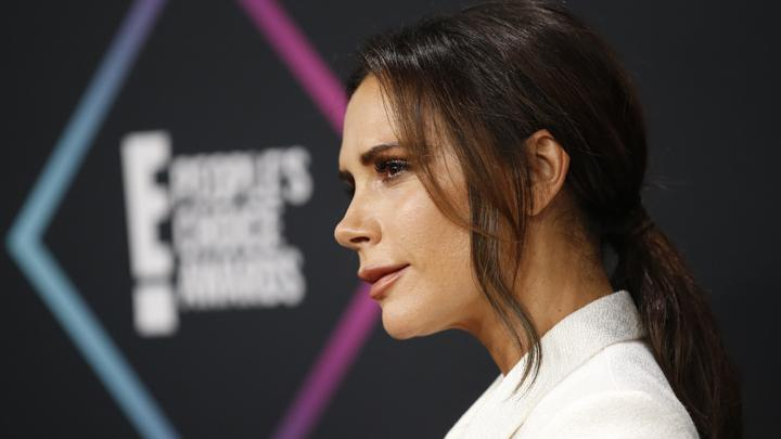 Selebriti Victoria Beckham menghadiri ajang People Choice Awards di Santa Monica, California, AS, 11 November 2018. REUTERS/Danny Molosho