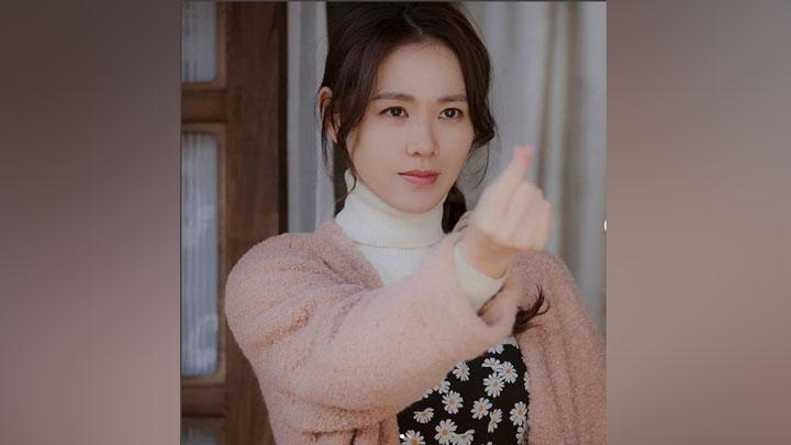 Son Ye Jin sebagai Yoon Se-ri di drama Korea Crash Landing On You. Instagram/@mujin81