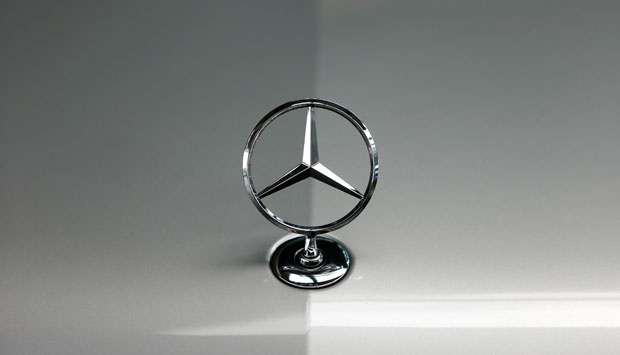 Logo Mercedes-Benz. REUTERS/Michaela Rehle