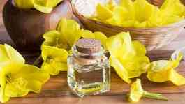Ilustrasi evening primrose oil. Shutterstock