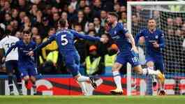 Penyerang Chelsea Olivier Giroud, melakukan selebrasi usai mencetak gol ke gawang Tottenham Hotspur dalam pertandingan Liga Inggris di Stamford Bridge, London, 22 Februari 2020. Action Images via Reuters/Paul Childs