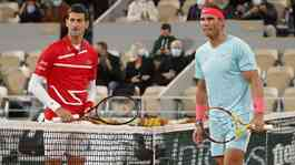 Novak Djokovic dan Rafael Nadal di final French Open 2020. REUTERS/Charles Platiau